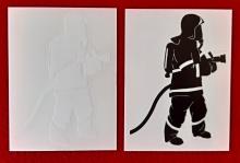 Samolepka na auto - stojící hasič - bílá + černá