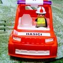 IGRÁČEK Hasičské auto s hasičem obr.2