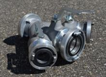 Rozdělovač soutěžní EXTRA sevřené vývody C - s kovanými spojkami